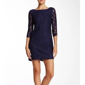 Vince Camuto lace dress in Navy size 6P- NWT